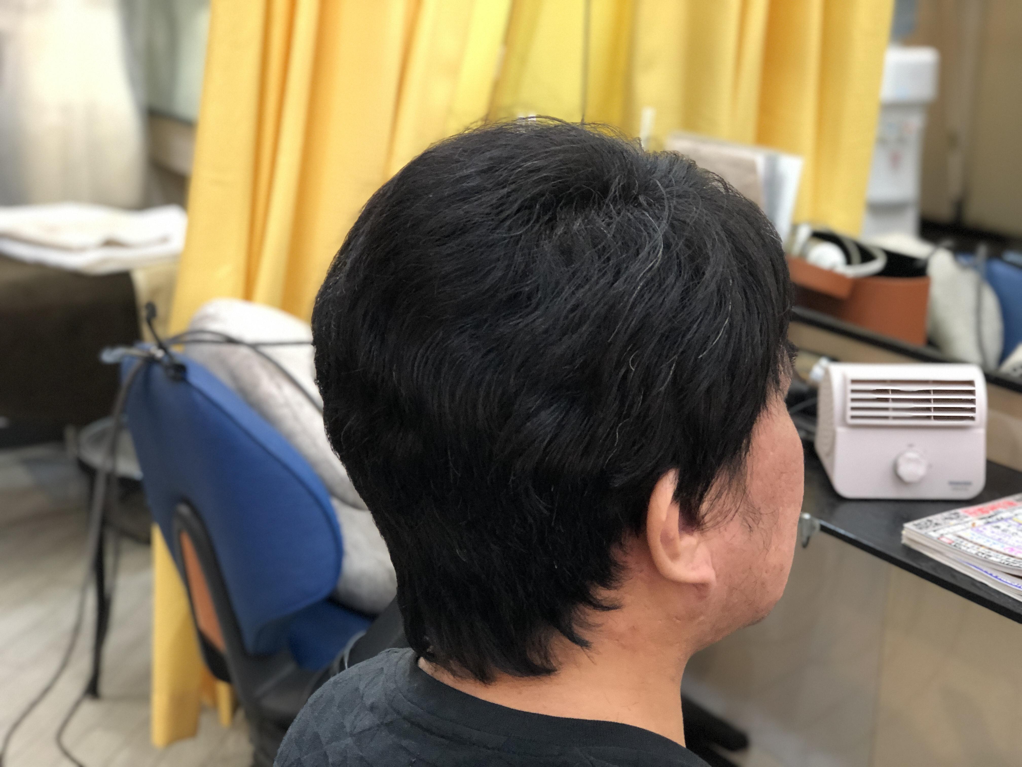 男性の方のくせ毛もキュビズムカットで楽になります。