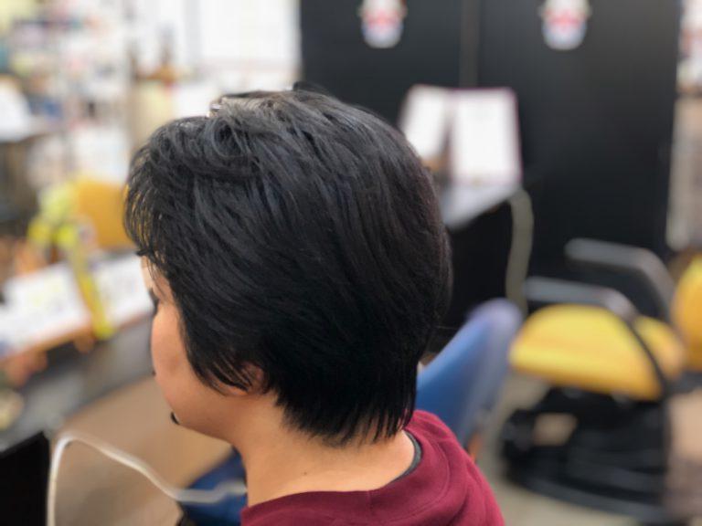 くせ毛でもブローレスで仕上げられます。