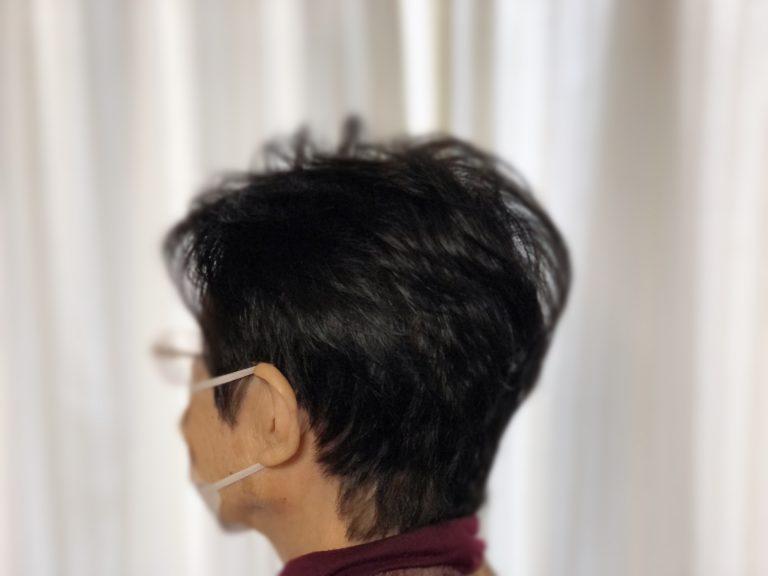 定休日に母親の髪の毛を施術しました。
